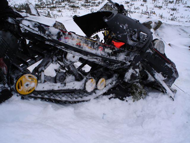 Show Pic's of Damaged Doo's - Page 2 - MXZ / Legend / Summit / Grand on ski-doo mxz 550x, ski-doo 2006 550 expedition, ski-doo formula 600, ski-doo mach z 800, ski-doo snowmobiles, ski-doo formula 500, ski-doo gsx 600, ski-doo formula 583, ski-doo citation 250,